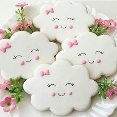 Happy little clouds to brighten up your Monday! The sweetest cookies for a baby shower or a baby birthday party Tanya Gosson Renz. Sweet Cookies, Baby Cookies, Iced Cookies, Baby Shower Cupcakes, Cute Cookies, Shower Cakes, Cupcake Cookies, Sugar Cookies, Cloud Baby Shower Theme