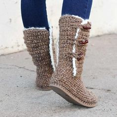 Sie Hausschuhe Flip Flop Breckenridge Boots with Flip Flop Soles Crochet pattern by Jess Coppom Make & Do Crew Crochet Boots Pattern, Crochet Slipper Boots, Shoe Pattern, Crochet Shoes, Crochet Slippers, Knit Crochet, Crochet Patterns, Crochet Winter, Crochet Ideas