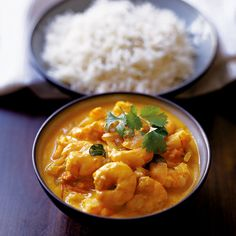 An easy Indian curry recipe made with prawns. Alternatively use white fish or chicken in the curry