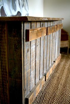 Pallet entry way bench? Not sure how to do the hinges for the doors though.