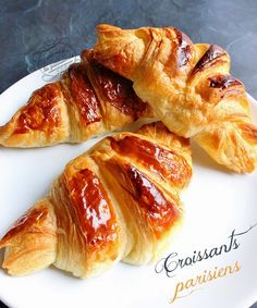 Recette de croissant parisiens - The Best Canned Recipes Bulgarian Recipes, Italian Recipes, Brunch Recipes, Breakfast Recipes, Homemade Croissants, Easy Casserole Recipes, Cooking Chef, Sweet Potato Recipes, Bread Baking