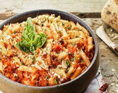 Πένες amatriciana (αματριτσιάνα) Cookbook Recipes, Cooking Recipes, Food Categories, Paella, Food And Drink, Dinner Recipes, Chicken, Meat, Ethnic Recipes
