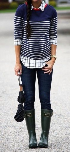 summer outfits  Navy Striped Top + Navy Skinny Jeans + Army Boots