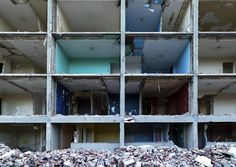Demolition of 605 Whiteside Place, image by Vik Pahwa