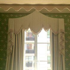 #kipsbayshowhouse16 @oandsltd @maxsinsteden #Olasky&Sinsteden. And THIS is how you do curtains! #swag