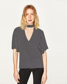 Image 2 of PRINTED TOP WITH CHOKER from Zara
