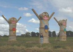 Happy People-Haystack Sculpture