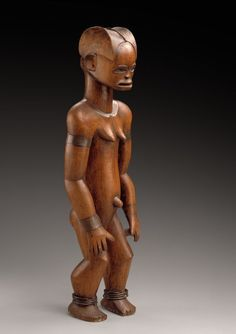 Figure from a reliquary ensemble. Cameroon. Fang, Mabea group. Wood, metal. Formerly Ch. Ratton coll. 19th century. musée Barbier-Mueller, photo studio Ferrazzini Bouchet, Genève