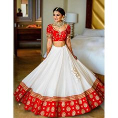 Wedding Lehenga Designs, Designer Bridal Lehenga, Indian Bridal Lehenga, Indian Bridal Outfits, Indian Bridal Fashion, Indian Dresses, Indian Clothes, Half Saree Lehenga, Red Lehenga