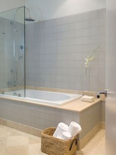 Tiny Bathroom Tub Shower Combo Remodeling Ideas 47
