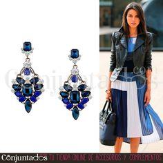 Estos preciosos #pendientes en colores fácilmente combinables, como el negro y el azul klein, son un #accesorio #elegante que convertirá tu #look en un #outfit de fiesta con el mínimo esfuerzo. Todo un acierto para mujeres sofisticadas ★ Precio: 13,95 € en http://www.conjuntados.com/es/pendientes-con-piedras-negras-y-azul-klein.html ★ #novedades #earrings #conjuntados #conjuntada #joyitas #jewelry #bisutería #bijoux #complementos #moda #fashion #estilo #style #GustosParaTodas
