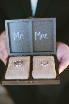 Porta aliança Mr & Mrs