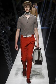 Canali unveiled its Spring/Summer 2017 collection during Milan Fashion Week. Men Fashion Show, Mens Fashion Suits, Fashion Week, Male Fashion, Vogue Paris, Urban, Nike, Menswear, Beautiful