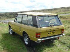 MAL 715P - 1976 Range Rover Classic - Bahama Gold by homer----simpson, via Flickr
