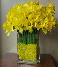 Flower Arranging Ideas - Spring Flowers - Yellow Daffodils