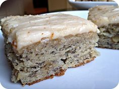 This Banana Bread Bars with Brown Butter Frosting Recipe is so incredible you will want to eat the whole pan. The banana bread bars are moist and full of flavor and the brown butter frosting Köstliche Desserts, Delicious Desserts, Dessert Recipes, Yummy Food, Cake Recipes, Yummy Recipes, Recipies, Banana Recipes, Quick Recipes