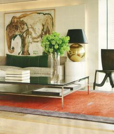 great coffee table+lamp