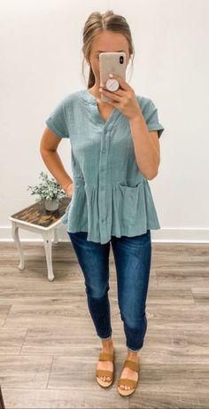 20 more herbst lässige outfits einfach , autumn casual outfits simple , casual outfits Business. Plus Size casual outfits. Looks Style, My Style, Teaching Outfits, Cute Casual Outfits, Casual Shopping Outfit, Pretty Outfits, Striped Outfits, Laid Back Outfits, Stylish Outfits