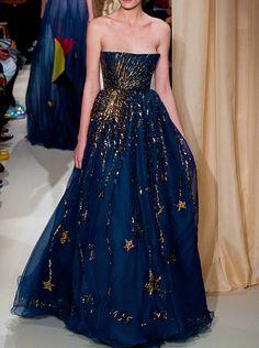 upabove-downbelow:  albertaferrettis:  Valentino Couture Spring 2015.  ))((