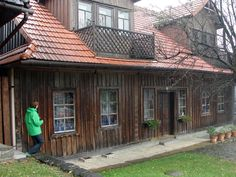 #magiaswiat #lanckorona #podróż #zwiedzanie #polska #blog #europa  #koscioly #obrazy #oltarze #figury #koscioly #ruiny #zamek #skansen Cabin, House Styles, Blog, Home Decor, Europe, Decoration Home, Room Decor, Cabins, Blogging