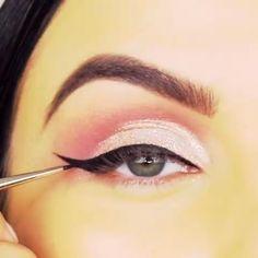 Smokey Eye Makeup Video, Eye Makeup Cut Crease, Makeup Eye Looks, Eye Makeup Art, Contour Makeup, Eyeshadow Looks, Eyeshadow Makeup, Beauty Makeup, Colorful Makeup