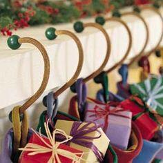 mantle shelf christmas stockings and mantles on pinterest. Black Bedroom Furniture Sets. Home Design Ideas