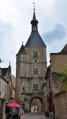 Tour de l'Horloge (XVe). Avallon, Yonne - Bourgogne - France