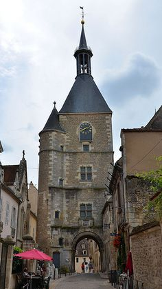 Tour de l'Horloge (XVe). Avallon, Yonne - Bourgogne - France