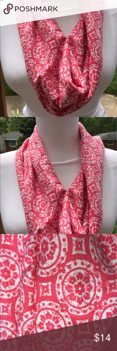 """Cowl or Loop scarf handmade geometric Salmon color geometric print knit scarf. Handmade by my cousin and me. Approximately 7"""" x 30"""" diameter Accessories Scarves & Wraps"""