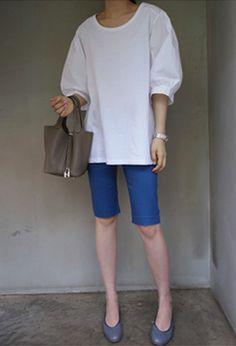 [Holicholic]パフスリーブシャーリングブラウス スリーブとショルダーラインはシャツ素材で  ユニークなデザイン★  身頃は伸縮性のいい素材で快適♪  Tシャツとブラウスの感覚を同時に楽しめるアイテム♪