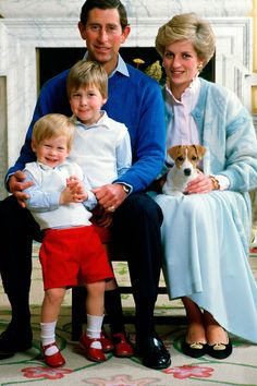 Principes de Gales y sus hijos William y Harry