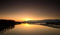golden-hour-at-the-river-eti-reid.jpg (900×527)