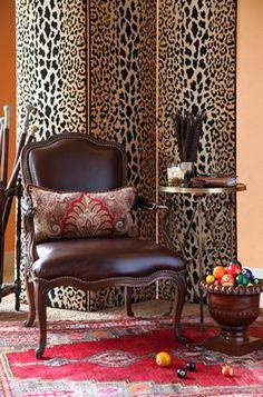 Custom Leather Furniture. Image: calicocorners.com.