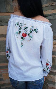 """Купить Белая вышитая блуза """"Ягоды и цвет"""" - белый, рисунок, вышитая блузка, блуза с вышивкой"""