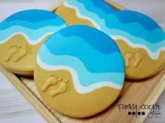 Beach cookies by Funky Cookie Studio