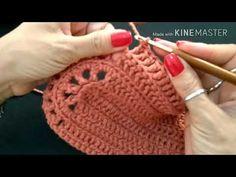 Crochet and Knitting Crochet Shoes, Love Crochet, Crochet Baby, Beginner Knit Scarf, Knitting For Beginners, Crochet Handbags, Crochet Purses, Drawstring Bag Diy, Sewing Patterns