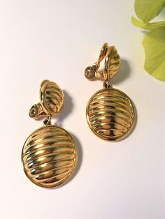 Your place to buy and sell all things handmade Monet Earrings, 80s Earrings, Vintage Earrings, Clip On Earrings, Statement Earrings, Gold Earrings, Tiffany Jewelry, Gold Jewelry, Jewellery