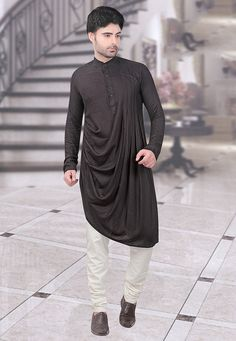 Boys Kurta Design, Kids Frocks Design, Mens Kurta Designs, Punjabi Kurta Pajama Men, Kurta Men, Indian Engagement Dress, Khadi, White Top And Jeans, Angrakha Style