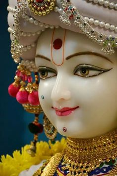 Baat Samajh Mein Aayi Ab Humaari Jhoothi Lyrics - (Lyrics in हिंदी) A Radha Krishan devotional Bliss sung by krishna Bhagat Krishna Statue, Jai Shree Krishna, Radha Krishna Love, Krishna Radha, Hanuman, Radhe Krishna Wallpapers, Lord Krishna Hd Wallpaper, Little Krishna, Cute Krishna