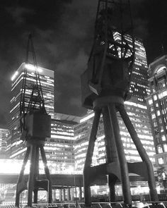 Contrast of dock cranes at Canary Wharf  #bnwphotography#igersbnw#bwoftheday#blacknwhite#bw#black#white#bnw#mono#nb#bw_lover#monochrome#byn#bwstyles#bwbeauty#noirlovers#ic_bw#bw_society#architecture#architectureporn#architecturelovers#urban#buildingporn#city#ic_architecture#instadaily#ig_worldwide#ic_architecture#ig_worldclub#traveller#instatravel by tcbainbridge