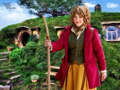 Femme Bilbo Baggins Cosplay 2014 Costume by- Mimsie Cosplay Photo by- Kaminsky Kandids Photography