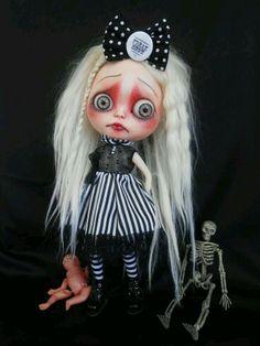 Blythe (Goth)