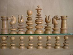 A high-class English antique chess set, probably 2H 19th century.  Sets such as this were produced by the top manufacturers.