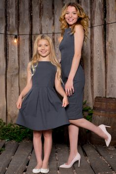 25 Lovely Mommy And Daughter Outfits - Bafbouf Mommy Daughter Dresses, Mother Daughter Matching Outfits, Mother Daughter Fashion, Mom And Baby Outfits, Girl Outfits, Mom Daughter Photography, Junior Girls Clothing, Edgy Dress, Girl Dress Patterns