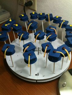 Graduation Caps cakepops