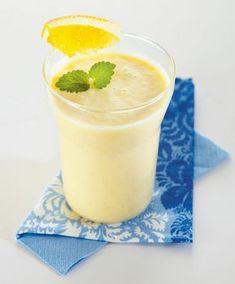Pirteä jogurttismoothie | K-ruoka #smoothie Smoothie Bar, Smoothie Recipes, Smoothies, Healthy Treats, Healthy Drinks, Healthy Recipes, Nice Cream, Food And Drink, Yummy Food