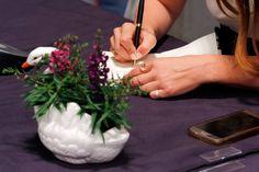 """Υπογράφοντας τον """"Χάρτινο Κύκνο"""" #χάρτινος_κύκνος #χαρτινοςκυκνος // photo © Anastasia Mauve Christianopoulou Mauve"""