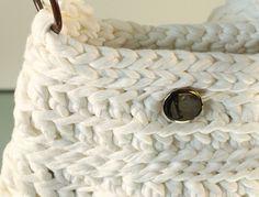Crochet XXL  Bolso blanco de trapillo por Gnolo en Etsy