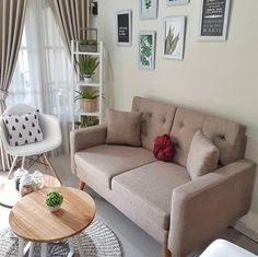 Keep updated with the newest small living room decor ideas (chic modern). Discover excellent methods for getting fashionable design even though you have a small living room. New Living Room, Interior Design Living Room, Living Room Designs, Living Room Decor, Bedroom Decor, Small Living, Home Room Design, House Design, Decoration