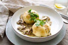 Kartoffelknödel mit Pastinaken in einer Pilzsoße zeigen deutlich, dass auch deutsche Klassiker ihre Berechtigung auf Elle Republic haben können. Als Gemüsefanatikerin musste ich natürlich auch eine…